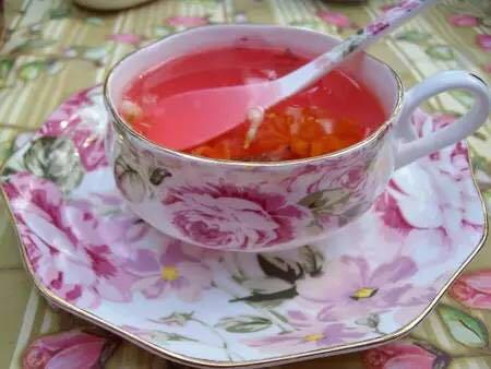玫瑰花茶加蜂蜜_玫瑰加蜂蜜,美容养颜还消脂减肥
